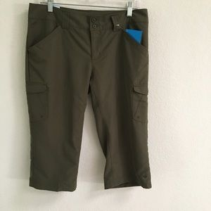 "NWT Columbia ""bit o backside"" knee pants 8"